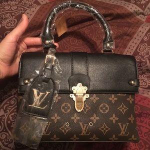 Louis Vuitton Handbag Brown/Black